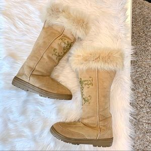 J Crew Embroidered Shearling Fur Lug Tan Boots 8